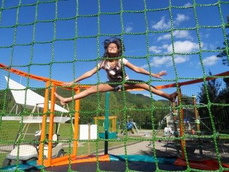 Camping auvergne avec nouveaut 2014 les trampolines - Trampoline clermont ferrand ...